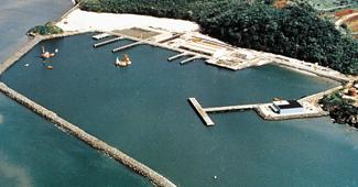 バカモンテ漁港(パナマ)